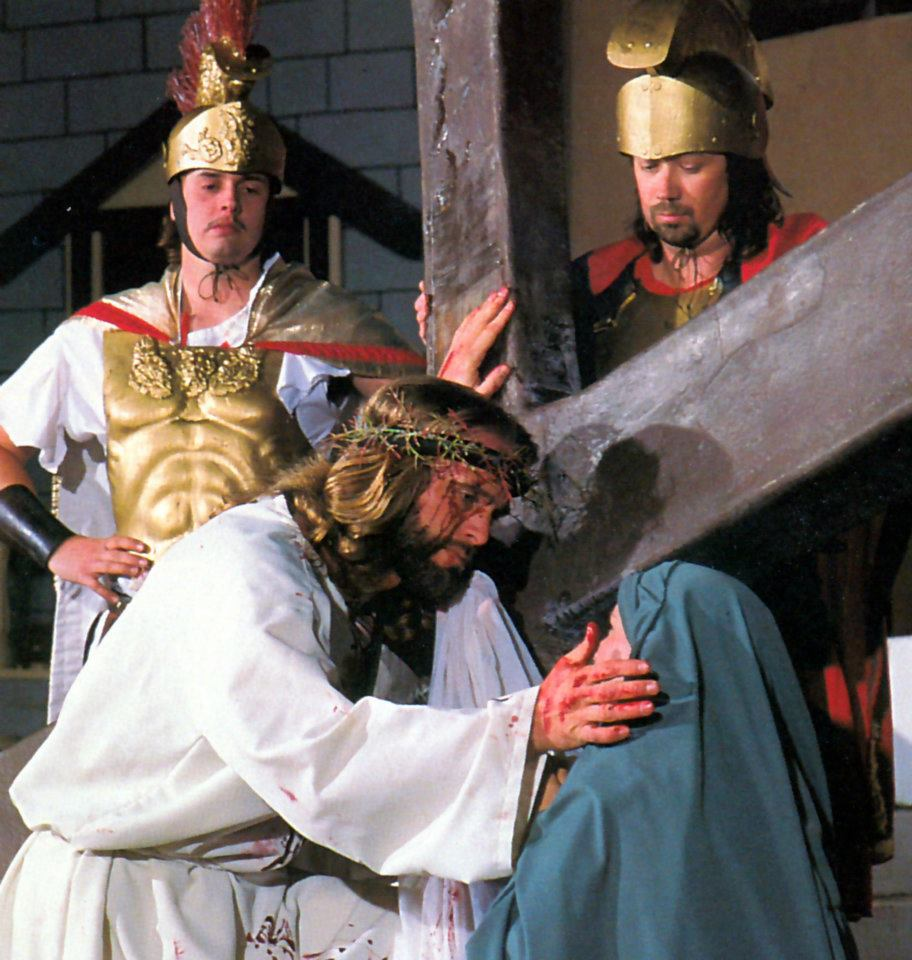 See the Great Passion Play