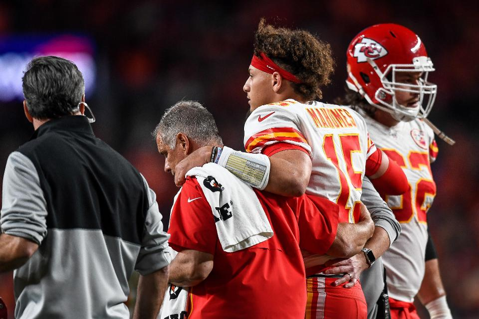 Mahomes maybe only out a few weeks